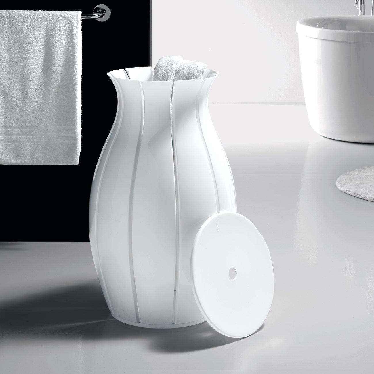 Un objet remarquable dans votre salle de bain raffinu00e9e : le panier u00e0 ...