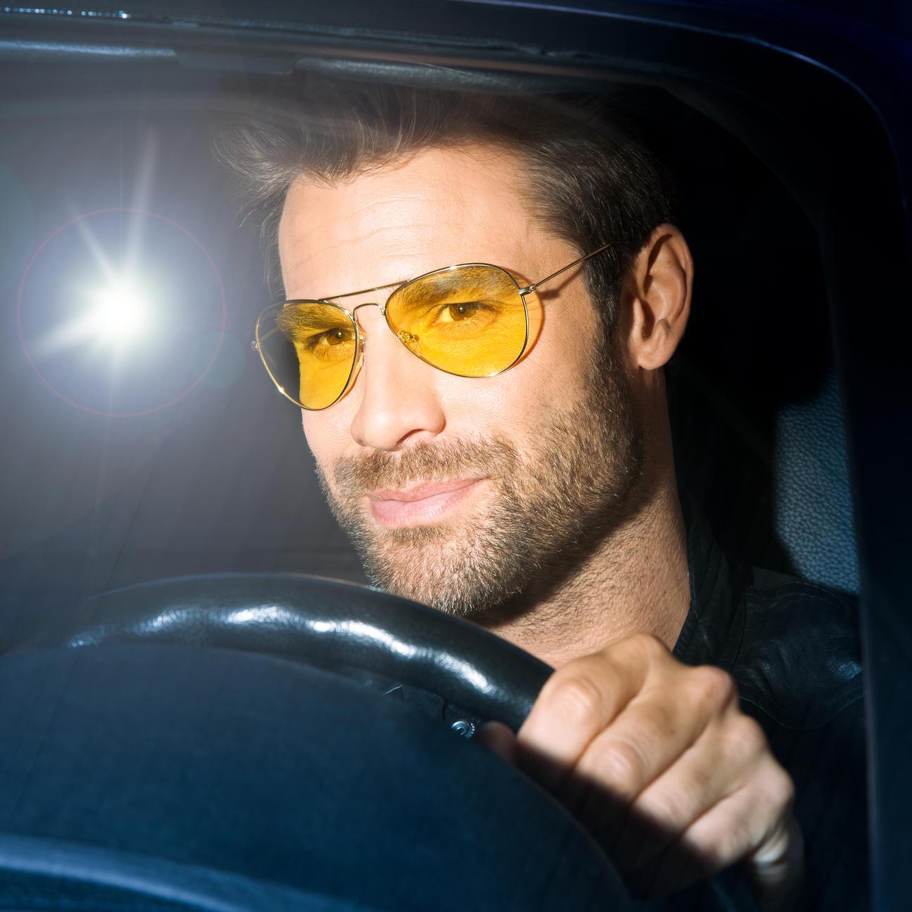 Lunettes ou Clip lunettes de conduite de nuit Eagle Eyes® - Enfin une vue  améliorée lorsque vous conduisez la nuit. Par Eagle Eyes®, USA. 09b918f9eebf