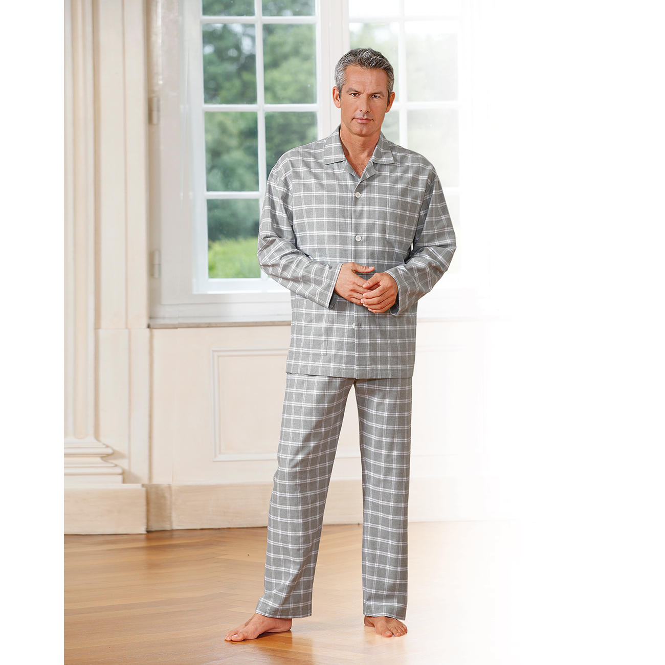 pyjama en flanelle novila garantie produit de 3 ans. Black Bedroom Furniture Sets. Home Design Ideas