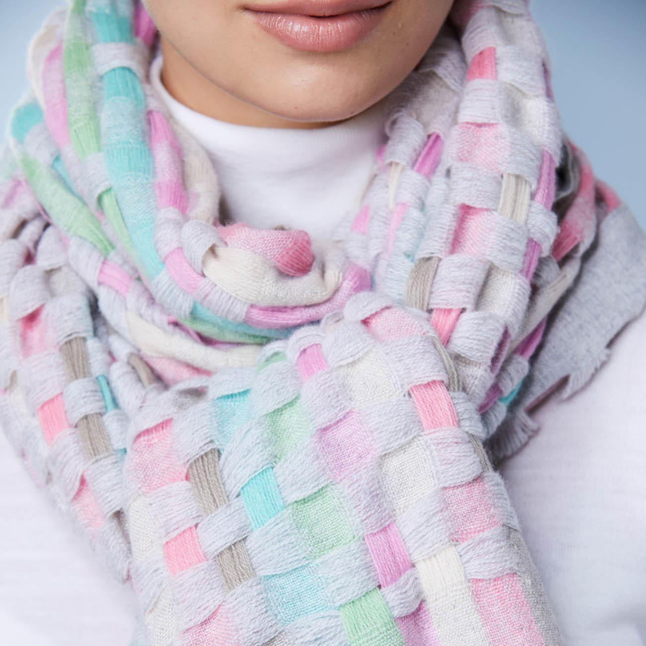 Écharpe en cachemire Heartbreaker à 7 couleurs - Un accessoire exceptionnel    l écharpe en cachemire à 7 couleurs. Tissée à la main au Népal. 58619f6b4fd