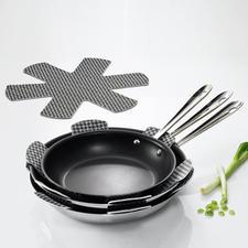 Empileurs, lot de 9 - Enfin un accessoire qui permet d'empiler vos poêles et casseroles sans les abîmer.