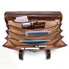 Des compartiments de rangement – dont un avec une poche zippée, une pochette pour téléphone portable, 2 pochettes de rangement de crayons et 2 emplacements pour cartes.