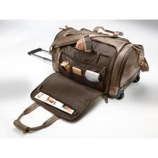 Le deuxième compartiment longitudinal est équipé de trois grands compartiments zippés et de trois pochettes pour ranger le pyjama, les affaires de sport, les sous-vêtement, les chaussettes etc.
