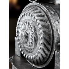 Décoration polyvalente et changeante : par ex. au printemps, ornez la locomotive avec des fleurs fraîches.