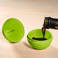 Remplir simplement la base d'un mélange d'eau, de vinaigre et de quelques gouttes de produit vaisselle.