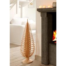 Sapin XL - De tels sapins décoratifs – fruit d'un superbe travail artisanal – sont les joyaux de l'artisanat des monts métallifères.