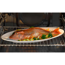 Sans devoir retourner péniblement votre poisson, il sera parfaitement doré et croustillant de tous côtés. A poser tout simplement sur la grille de votre four.