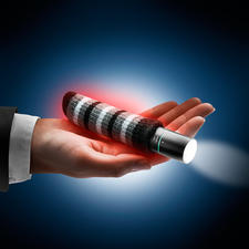 Chauffe-mains 3-en-1 - Chauffe-mains, lampe de poche et powerbank.