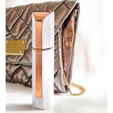 Design discret en forme de tube de rouge à lèvres, idéal pour le sac à main.