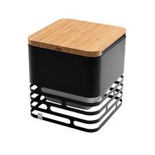 La planchette en bambou disponible en commande séparée vous permet de transformer le cube en siège ou en table d'appoint.