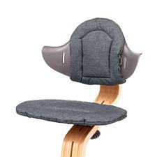 Le lot de coussins disponible en commande séparée veille à un confort d'assise optimal.