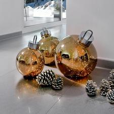 Boule lumineuse - Telle de la poussière d'étoiles, les ampoules s'illuminent au cœur d'une luxueuse boule en verre.