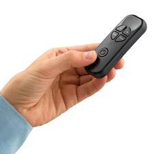 Commander pratiquement et confortablement votre mini chauffage pour prise électrique grâce à une télécommande.