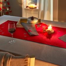Chemin de table Magie étoilée et Sets de table - Fabriqué en deux épaisseurs, avec superbe broderie d'étoiles et broderie ajourée.
