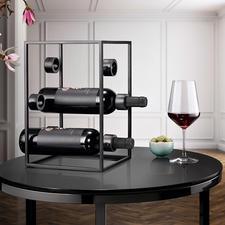 Cube à vin design - Trois tendances en une : de l'acier noir, un design épuré et une forme géométrique.