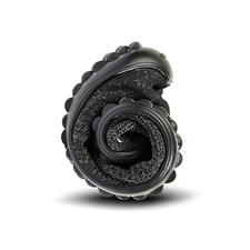 Seulement 8mm d'épaisseur et ultra flexible: la semelle à picots brevetée en Lifolit®.