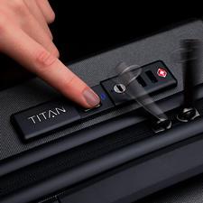 Ces trolleys de haute qualité s'ouvrent aisément avec votre empreinte digitale– aucune personne non autorisée ne peut ouvrir vos bagages.