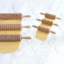 Avec ces astucieux rouleaux à motif 3D, vous réalisez en un clin d'œil de véritables petites œuvres d'art culinaires.
