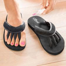 Sandales entre-doigts - Astucieuse : la sandale pour des orteils « détendus » et des ongles parfaitement vernis.