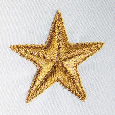 Des fils métallisés apportent aux étoiles la touche festive dorée ou argentée.