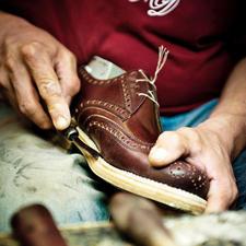 Un soulier Dinkelacker passe par près de 300 étapes de fabrication jusqu'à sa livraison.