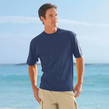 ... et sportif avec des shorts pendant les vacances.