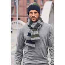 Bonnet en tricot ou Châle rayé tricolore Howlin' - Motif tendance, couleurs à la mode. Et pourtant, traditionnellement tricoté en Écosse. Par Howlin'.