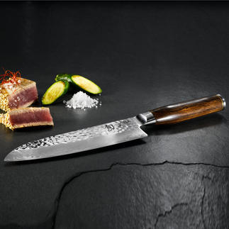 Couteaux Shun Premier « Tim Mälzer » La nouvelle ligne de couteaux à lame damassée du fabricant japonais de tradition KAI.