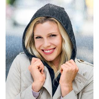 Parement Hood To Go Un élégant accessoire. Et une protection pratique contre la pluie, à porter dessous comme dessus.