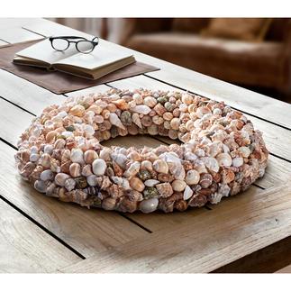 Couronne de coquillage Natural Shell Une véritable beauté naturelle : couronne composée de près de 400 coquillages en 8 formes naturelles.