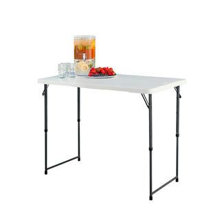 Table pliante réglable en hauteur La table pliante polyvalente vous rendra de multiples services. Facile à transporter. Rangement gain de place.