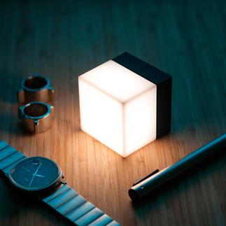 Cube high-tech San fil, mobile, lumineux. Une source de lumière aux usages multiples, dans toute la maison et au jardin.