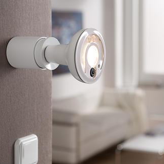 Smartlight DEL avec caméra IP Smartlight primée à LED avec caméra de surveillance à distance. Doublement utile. Pour l'intérieur et l'extérieur.