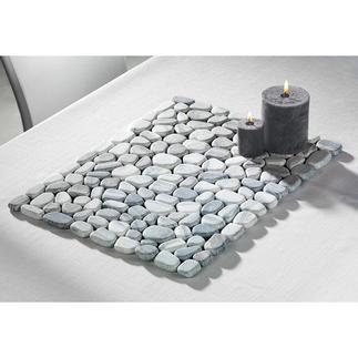 Sets de table en marbre La tendance du marbre gagne également la déco extérieure.