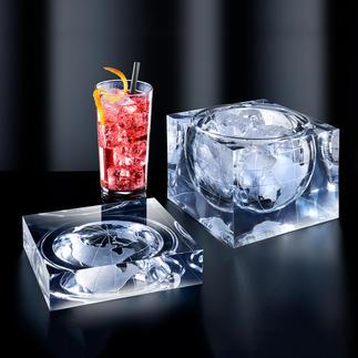 Cube globe Glaçons, amuse-gueules et autres délicatesses : servis dans un spectaculaire objet design.