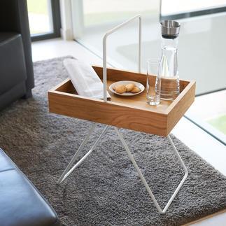 Table-plateau Emil Design rétro tendance, lauréat du prix « FORM 2017 ». En précieux bois de chêne et aluminium.