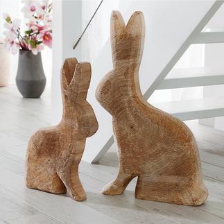 Lapin en bois de peuplier Fabrication artisanale - aux surfaces nervurées et anneaux de croissance apparents. Une pièce unique.