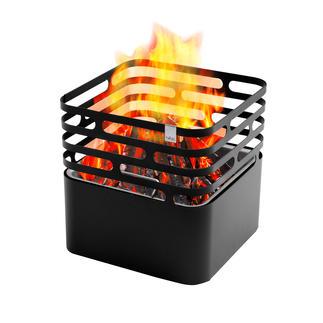 Braséro Cube Le braséro avec une touche d'ingéniosité : il vous suffit de le retourner pour étouffer proprement le feu.