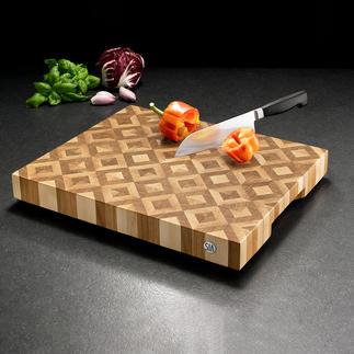 Planche à découper en mosaïque de bois de bout Magistral travail de manufacture réalisé en bois de bout. Une œuvre artisanale effectuée en Allemagne.