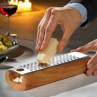 Râpe à fromage design La meilleure manière de râper du fromage : sans miettes et prêt à servir.