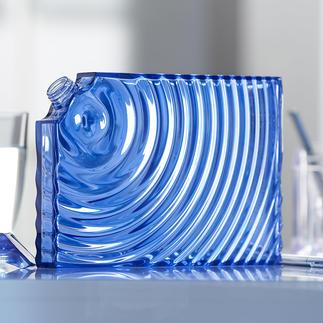 Gourde design Ripples L'alternative stylée aux habituelles bouteilles jetables. Conçu par Ron Arad pour Guzzini, Italie.