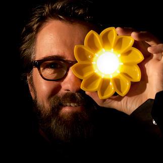 Lampe solaire Little Sun La lampe solaire hautement efficace, véritable petit objet d'art et projet social pertinent.