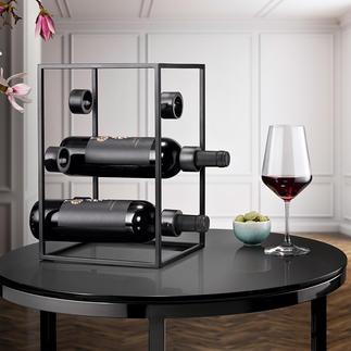 Cube à vin design Trois tendances en une : de l'acier noir, un design épuré et une forme géométrique.