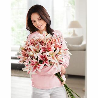 Bouquet de lys Une parfaite imitation de la nature, déclinée en rose ou en blanc. Comme si le bouquet était fraîchement préparé par un fleuriste.