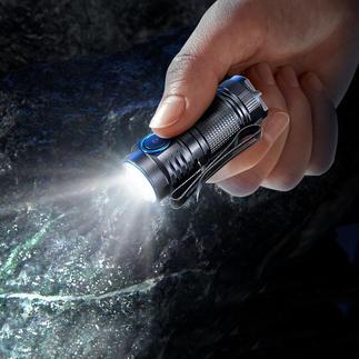 Mini lampe de poche 1 000 lumens La mini lampe de poche dernière génération. Encore plus petite, plus légère et plus puissante.