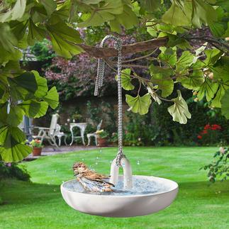 Bassin suspendu pour oiseaux Bassin à oiseaux et abreuvoir suspendu à une branche d'arbre, de manière sécurisée. Design luxueux de Eva Solo, Danemark.