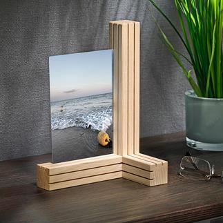 Support pour photos et cartes variable 3 lamelles de bois. 12 fines fentes. D'innombrables possibilités de combinaisons de photos et autres.