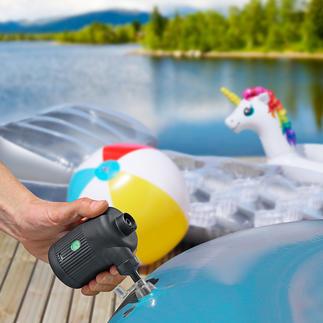 Pompe à air sur batterie 2-en-1 Gonfle lit pneumatique, bateau gonflable, bouée... Attise le feu d'un barbecue ou d'un foyer. Compresse l'air de sacs sous vide.