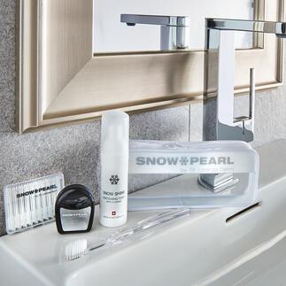 Kit de soin et blanchiment Snow Pearl, 5 pièces Un luxe pour vos dents : soin idéal et blanchiment optimal – dans une trousse de voyage de qualité.