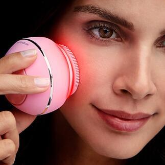 Brosse cosmétique pour le visage Higher Glow 3 soins de beauté efficaces réunies dans un seul accessoire ingénieux qui s'adapte à votre type de peau. Confortablement depuis chez vous.